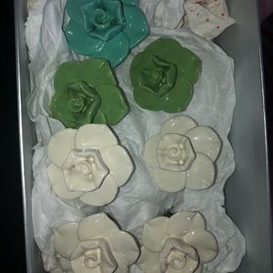 Rose shaped ceramic knobs